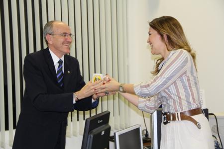Entrega Caneca_Currais Novos