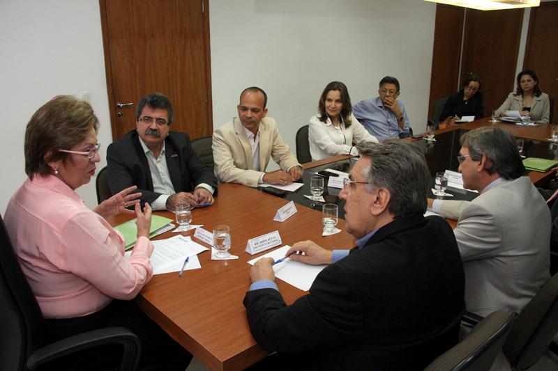 Reunião Motores do Desenvolvimento_Demis Roussos (2)