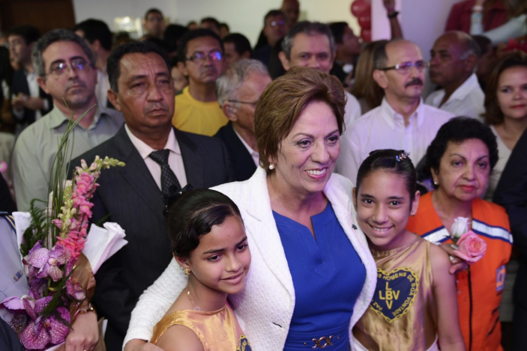 Governadora recebe cumprimentos - Fotos:Elisa Elsie