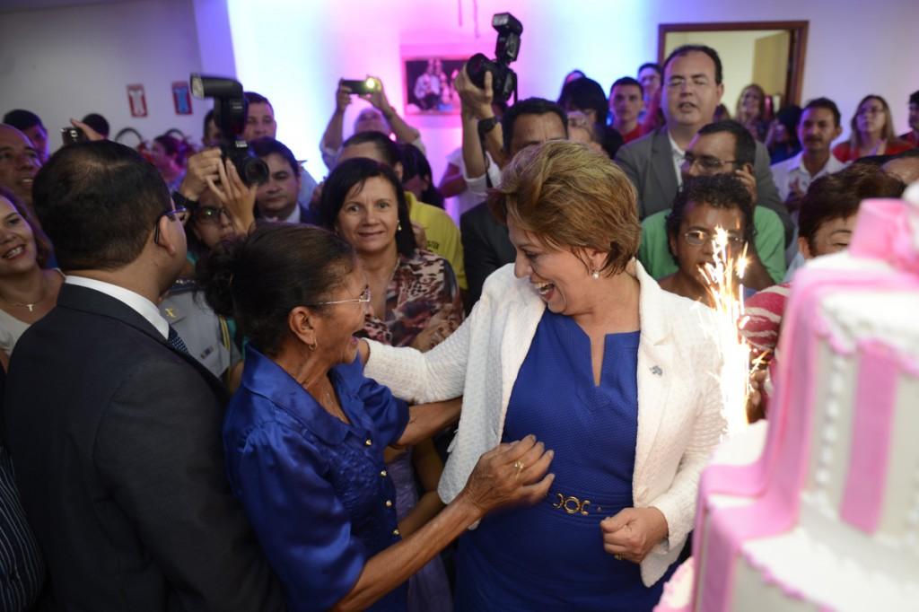 Governadora recebe cumprimentos - Elisa Elsie (7) (1)