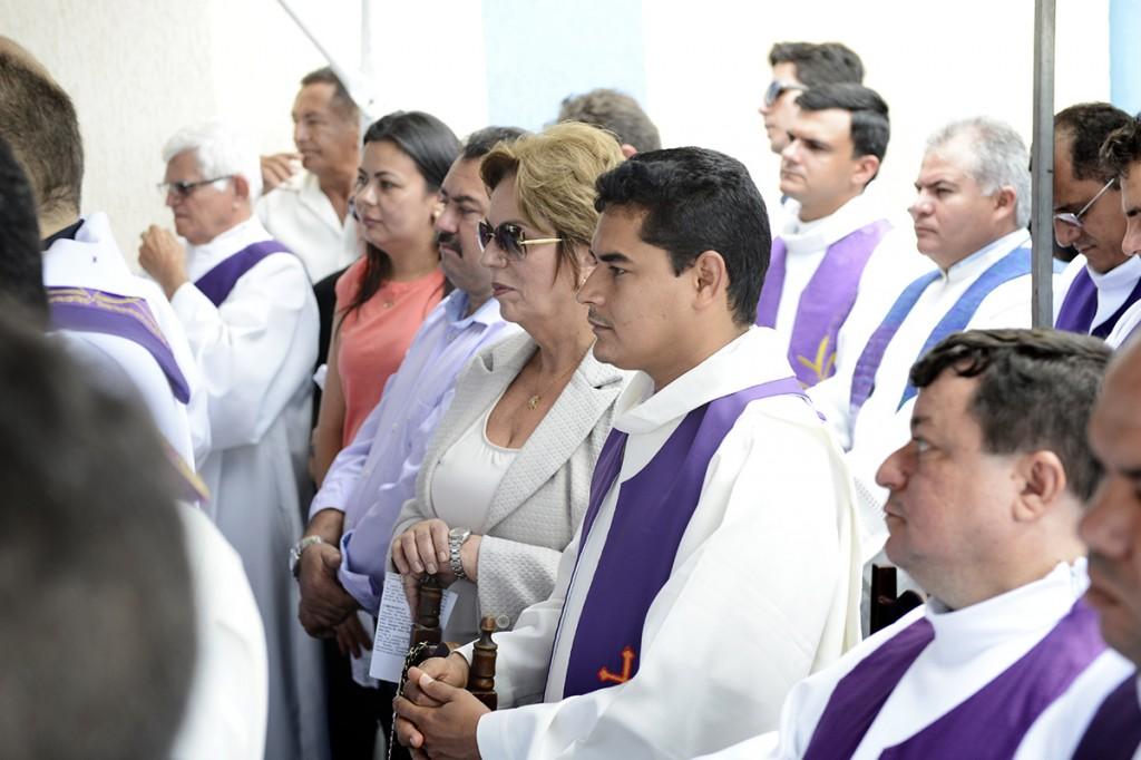 Governadora homenageia Monsenhor Xavier durante velo_rio em Santo Anto_nio - Elisa Elsie (1) (1)