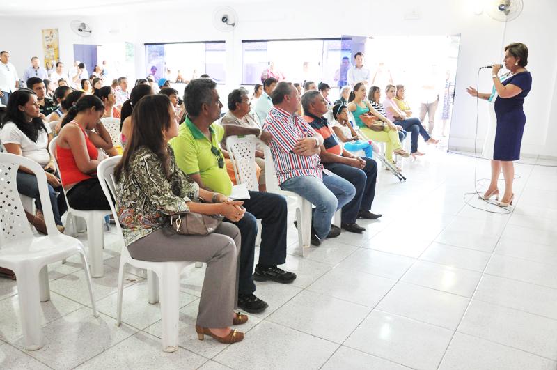 26 03 2014 Governadora entrega certifica do Projeto Mão Amiga em Montealegre Vivian Galvão (100) cópia