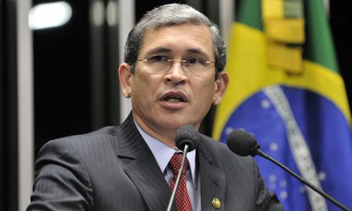 Senador Paulo Davim comemora assinatura de concessão, pela presidente Dilma, que permitirá a construção do novo aeroporto no Rio Grande do Norte