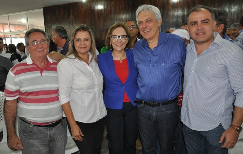 Zenaide com lideran+ºas de Timbauba e Ouro Branco e a senadora Ivonete