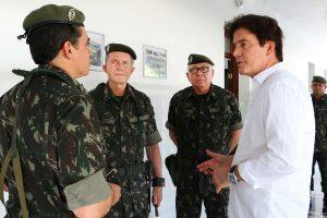 03.08 Governador visita 16º Batalhão do Exército - Foto Rayane Mainara (1)