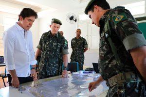 03.08 Governador visita 16º Batalhão do Exército - Foto Rayane Mainara (2)